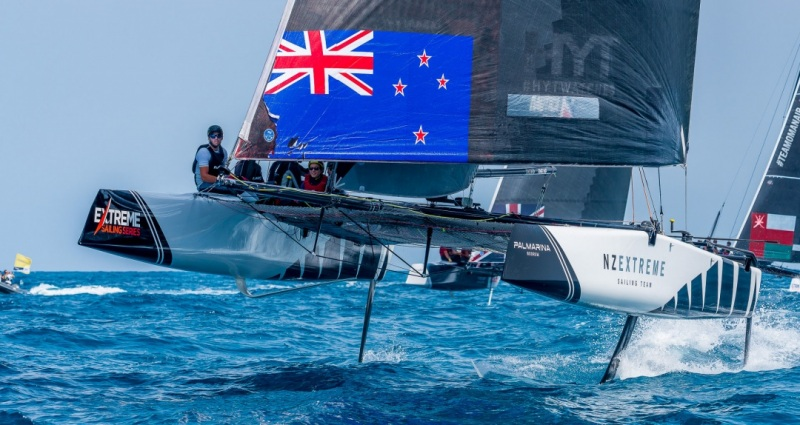 3_Sailing-and-flying_000283721722